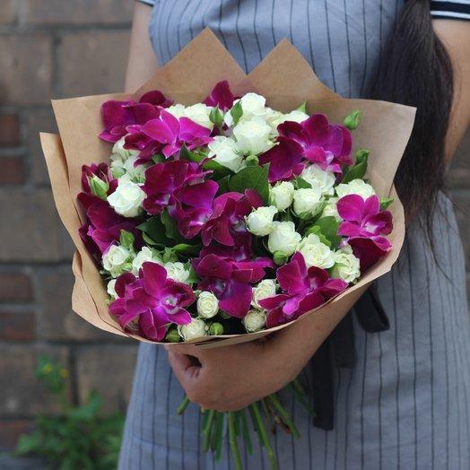 Орхидеи и кустовые розы: букеты цветов на заказ Flowwow