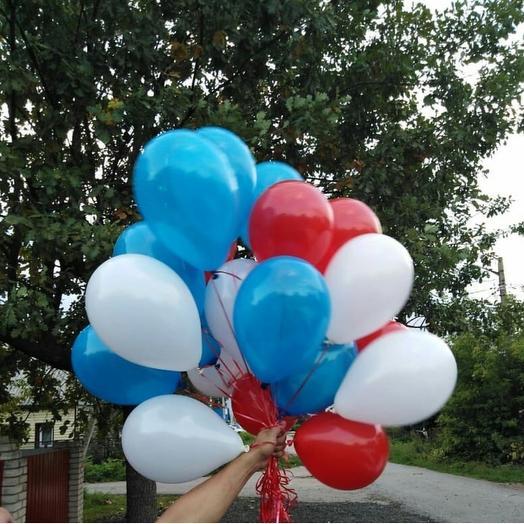 Флаг России: букеты цветов на заказ Flowwow