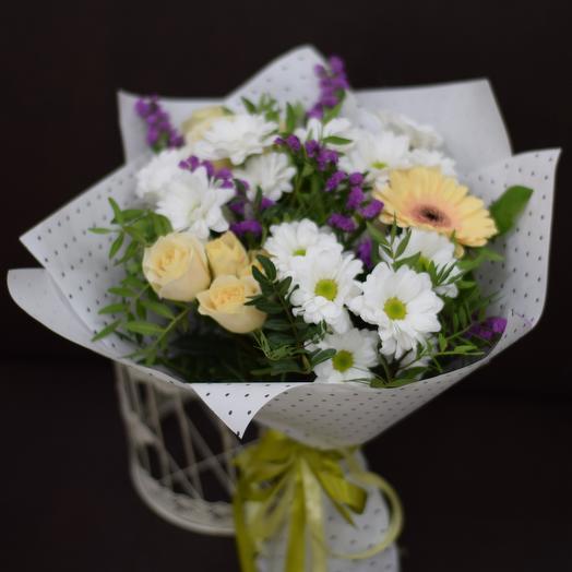 Букет из хризантемы, геберы и кустовых роз: букеты цветов на заказ Flowwow