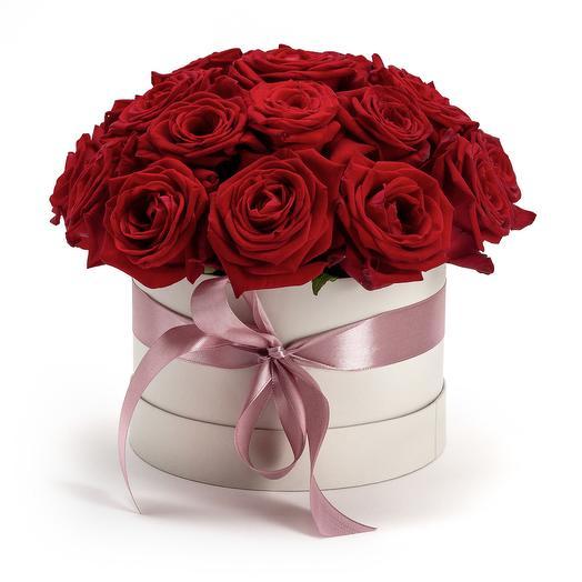 19 КРАСНЫХ РОЗ В МАЛОЙ ШЛЯПНОЙ КОРОБКЕ: букеты цветов на заказ Flowwow