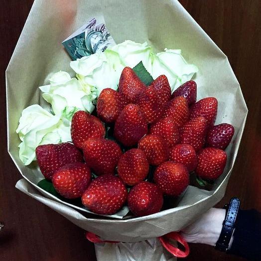 Клубничный букет «рози»: букеты цветов на заказ Flowwow