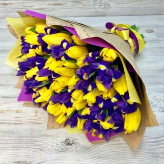 Большой букет ирисов и тюльпанов