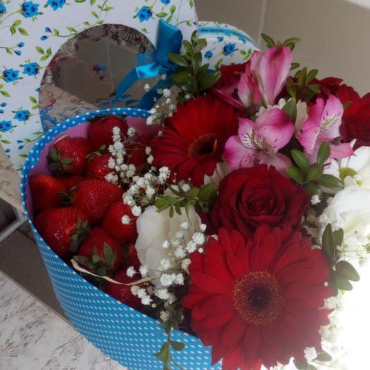 Клубничный десерт: букеты цветов на заказ Flowwow