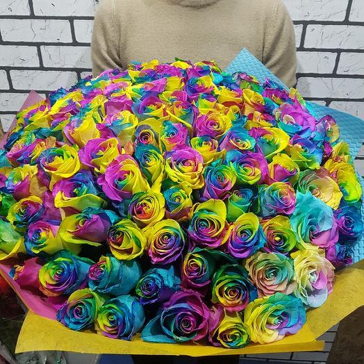 Букет из 101 радужных роз: букеты цветов на заказ Flowwow