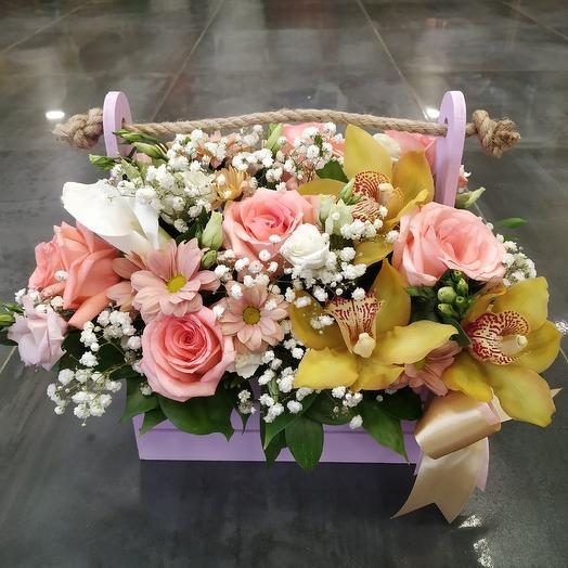 """Композиция в ящичке с розами """"Нежность"""": букеты цветов на заказ Flowwow"""