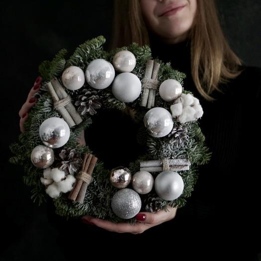 """Новогодний венок """"Первый снег"""": букеты цветов на заказ Flowwow"""