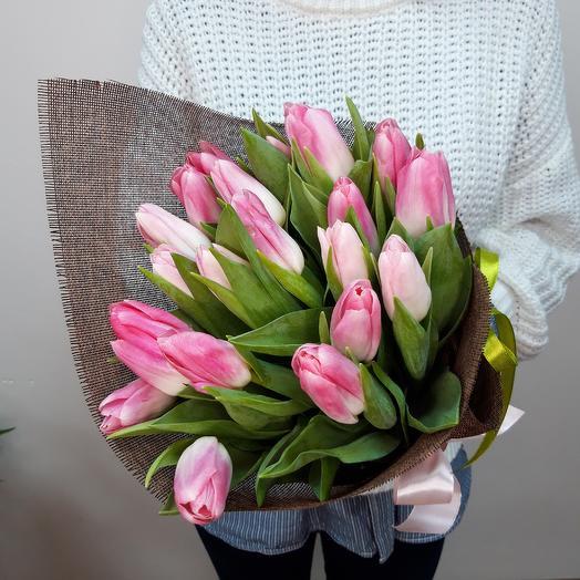 Династия: 21 нежно-розовый тюльпан: букеты цветов на заказ Flowwow