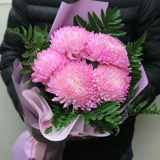 Букет шаровидных хризантем