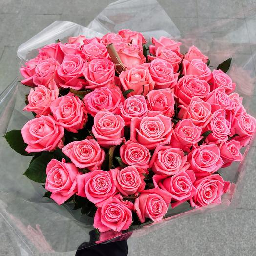 Букет из 51 коралловой розы 60 см