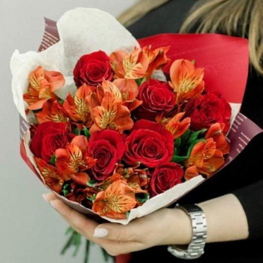 Букет весенний с розой и альстромерией
