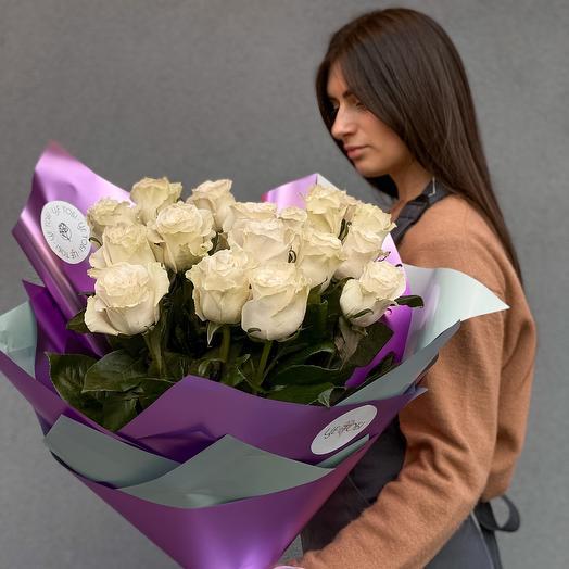 Моно букет з білої троянди Mondial