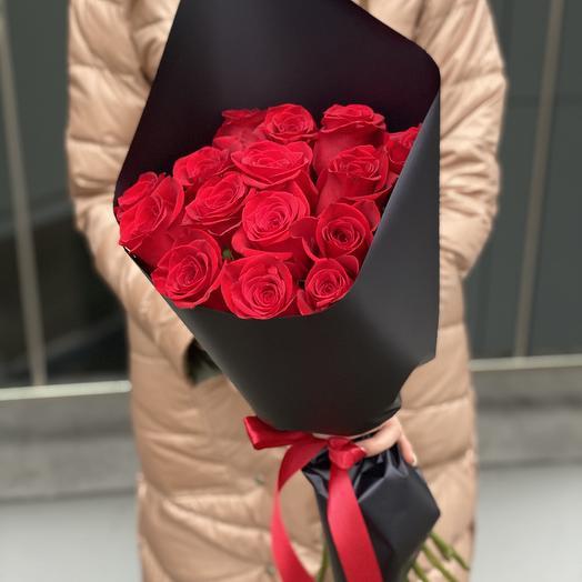 Букет из красных роз Страстный из 15 штук
