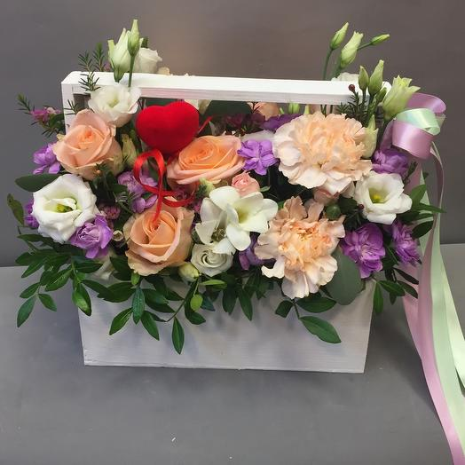 Ящичек с цветами и сердечком