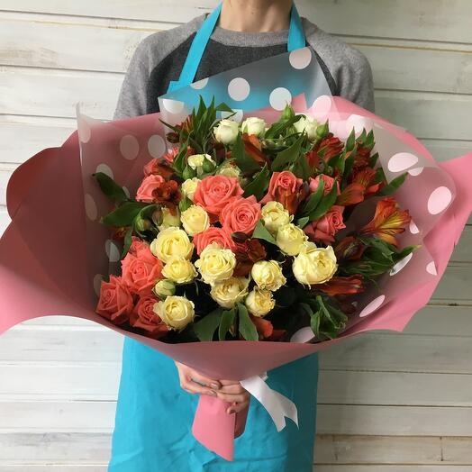 A Bouquet Of Delicate Grande