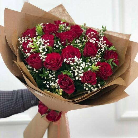 роза с гипсофилой