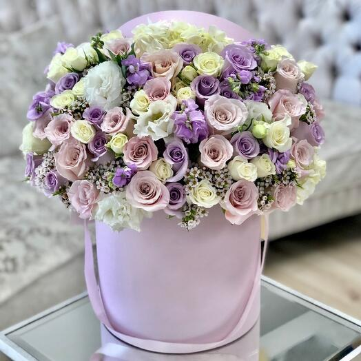Цветы в коробке Luxury Flowers Вместо тысячи слов