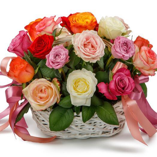 Цветы в корзине 21 розы Аморе мио
