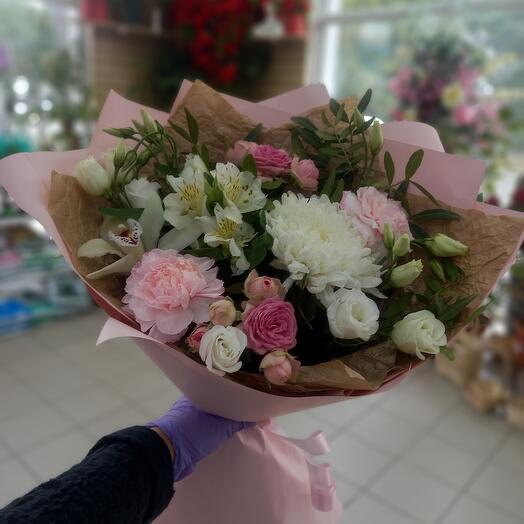 Букет комплимент цветов