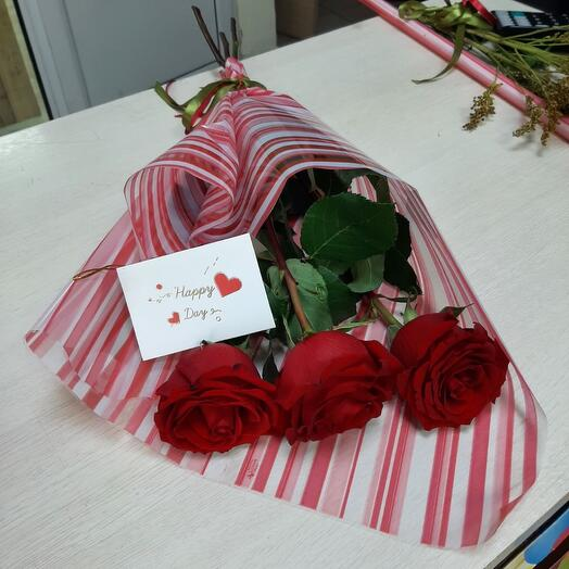 3 розы