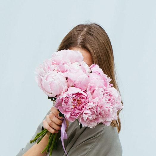 Букет из 9 розовых пионов: букеты цветов на заказ Flowwow