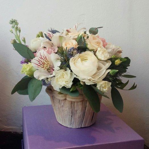 """Композиция в плетеном кашпо """"Кружево чувств"""": букеты цветов на заказ Flowwow"""