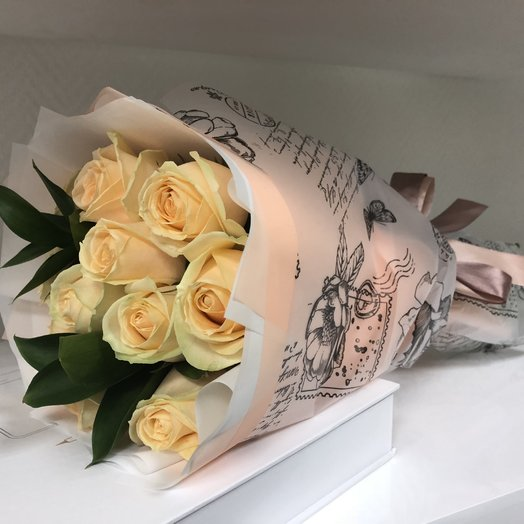 Букет из 11 персиковых роз: букеты цветов на заказ Flowwow