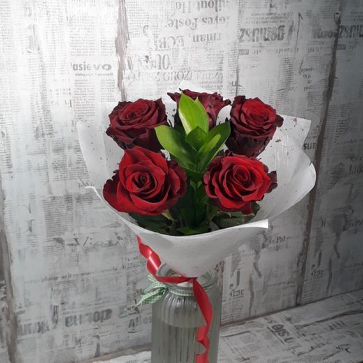 Классика красного: букеты цветов на заказ Flowwow