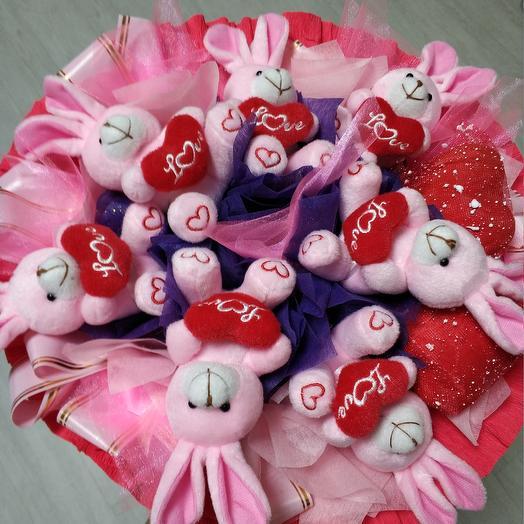 Розовые зайки: букеты цветов на заказ Flowwow