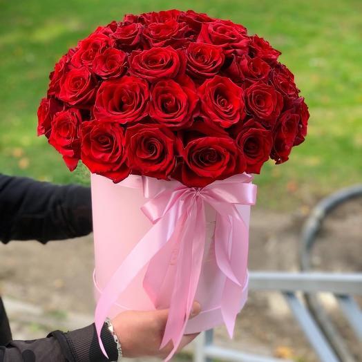 51 Роза Бордовая в коробке: букеты цветов на заказ Flowwow