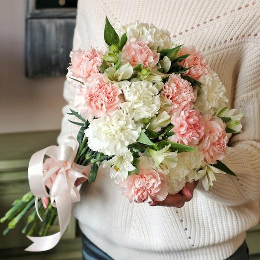 Exquisite bouquet of carnations: flowers to order Flowwow