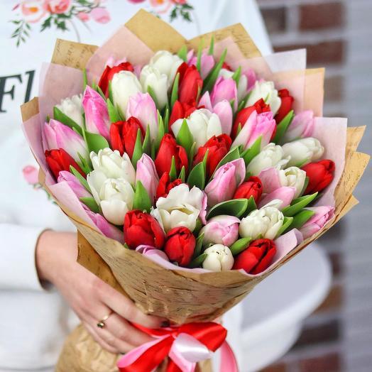 Букет из 49 тюльпанов (микс). N684