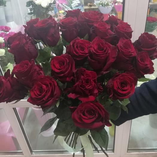 Букет из 25 бордовых роз 60 см под ленту