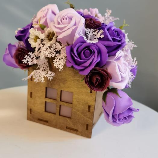 Букет из мыльных роз в домике