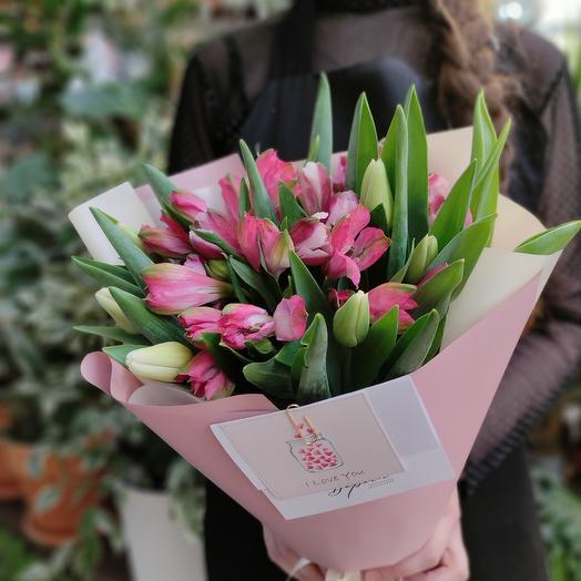 Тюльпаны и альстромерия