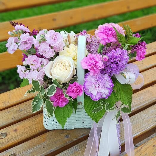 Корзина с цветами «Радость»