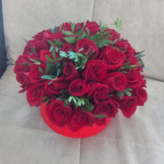 Цветы в коробке с любовью