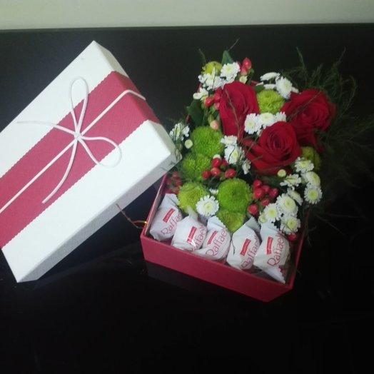 Коробочка с цветами и Раффаэлло