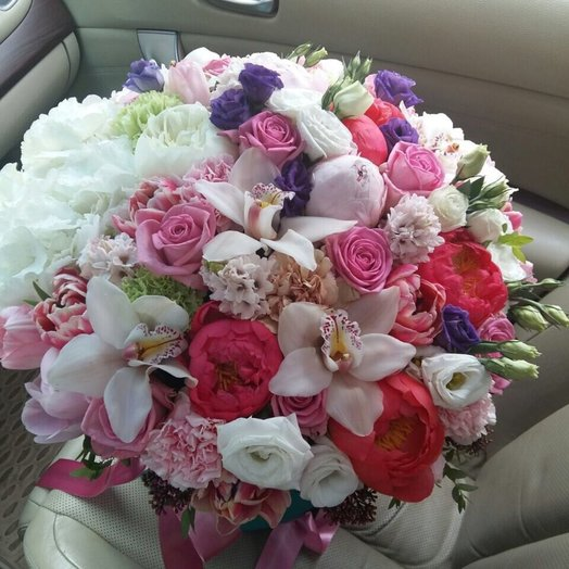 Большая композиция с орхидеями и пионами гортензией и розами: букеты цветов на заказ Flowwow