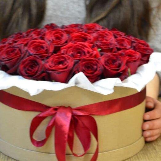 Коробочка из 51 розы: букеты цветов на заказ Flowwow