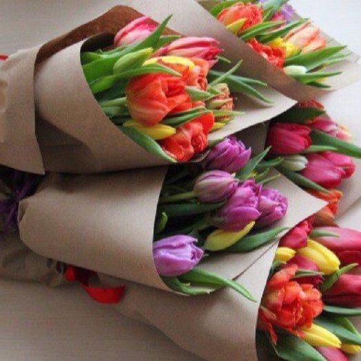 Радужный кулечек: букеты цветов на заказ Flowwow