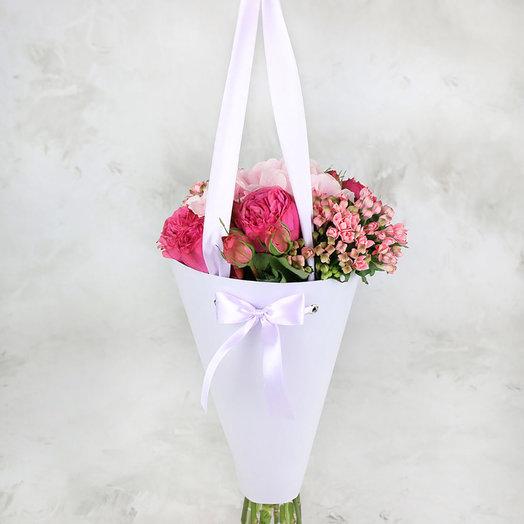 Букет из роз и гортензии в конусе: букеты цветов на заказ Flowwow