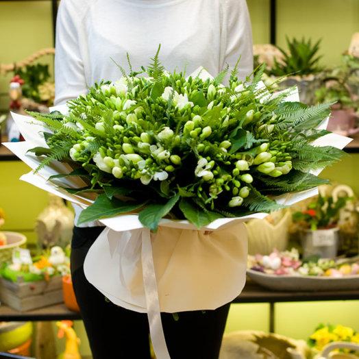 """Букет """"Белые фрезии"""": букеты цветов на заказ Flowwow"""