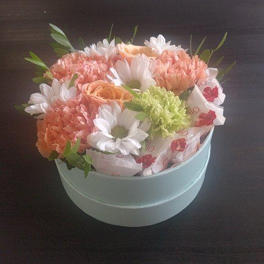 Цветочная коробка с Рафаэлло: букеты цветов на заказ Flowwow