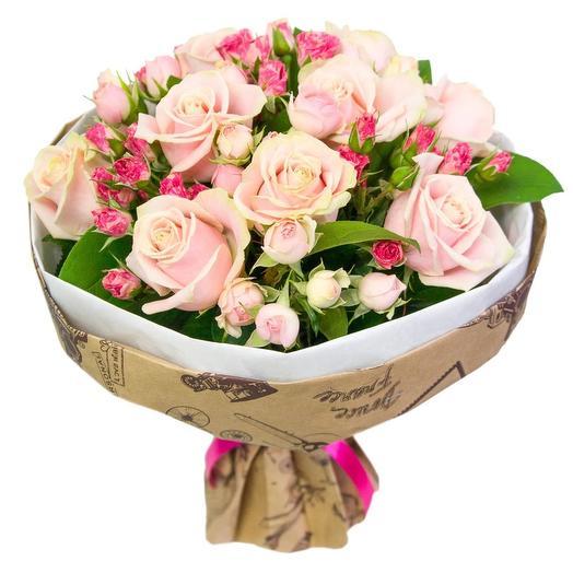 Нежный букет-комплимент из роз: букеты цветов на заказ Flowwow