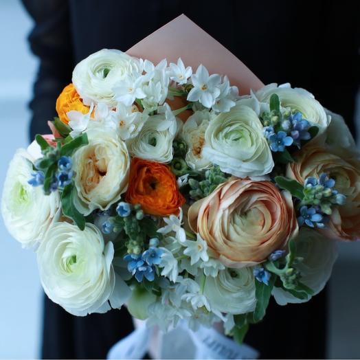 Ранункулюсы и Оксипеталум: букеты цветов на заказ Flowwow