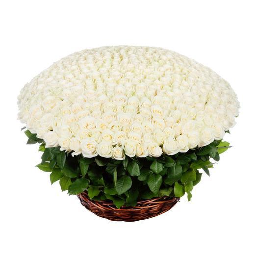 """Корзина из роз """"Озеро любви"""": букеты цветов на заказ Flowwow"""