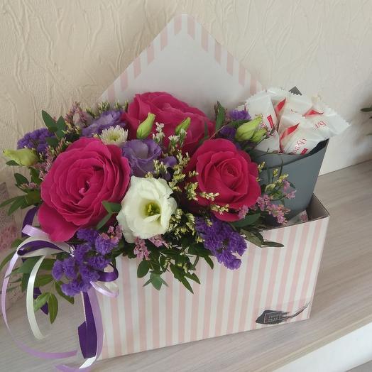 Цветочный конверт и Рафаэлло: букеты цветов на заказ Flowwow