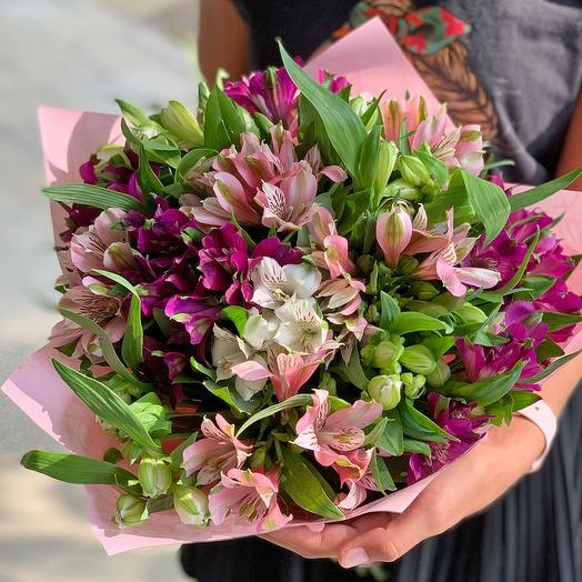 Bouquet of multicolored Alstroemeria: flowers to order Flowwow