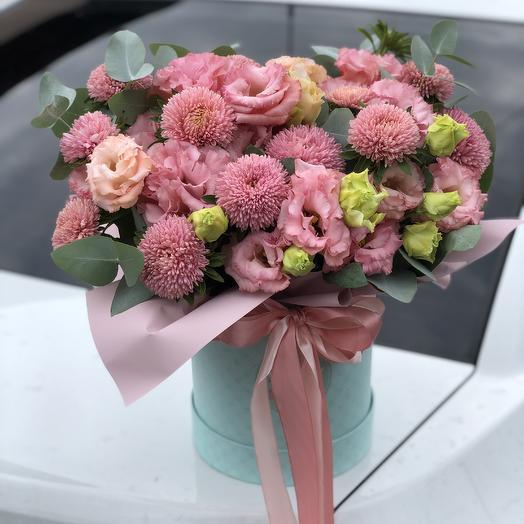 Цветочная композиция с эустомами: букеты цветов на заказ Flowwow
