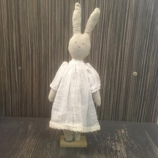 Игрушка интерьерная заяц: букеты цветов на заказ Flowwow